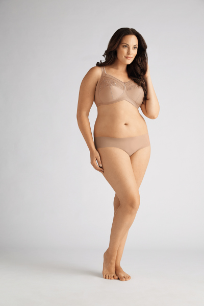 IsadoraSB_0948_0465_Nude_PlusSize_0412_result.png